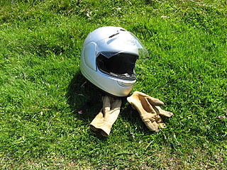 motorcycle helmet laws in america essay Helmet laws did you know that one in five motorcycle crashes results in head or neck injuries for the rider wearing a proper motorcycle safety helmet is one of the most important factors in preventing or reducing these injuries.
