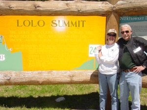 We made it to the summit at the end of the most magnificant road - the Lolo pass