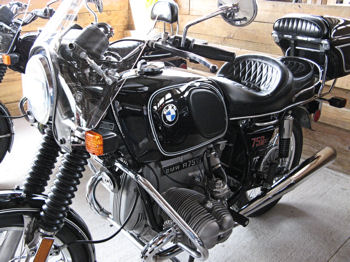 Her-Motorcycle.com - BMW750 vintage at the 2007 BMOA Rally