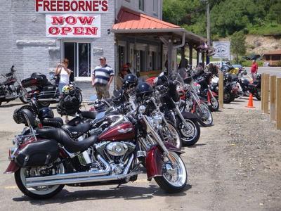 Freeborne's Eatery & Lodge