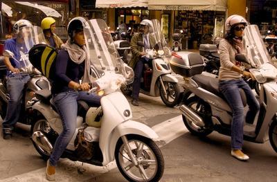 The stylish Italian girls...