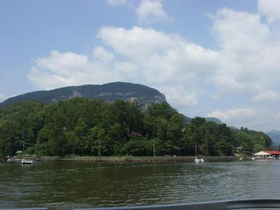picture of chimney rock state park