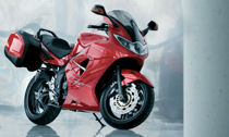 Triumph Sprint ST - 1050 cc of pure power
