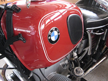 Her-motorcycle BMW tank picture